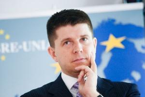 <b>Ryszard Petru<br> przewodniczący Towarzystwa Ekonomistów Polskich</b><br><br>  - Banki boją się nawzajem sobie pożyczać, a jedynym, któremu ufają, jest bank centralny.