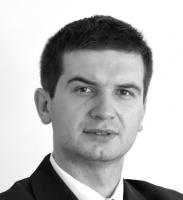 - PGNiG nie jest wyjątkiem, jeśli chodzi o renegocjowanie kontraktów gazowych w ostatnich latach. Próby takie podejmowały firmy niemieckie, włoskie, francuskie, często z sukcesami. Wysokie ceny surowca są kwestionowane przez odbiorców gazu na Litwie, a w skrajnych przypadkach (Chorwacja, Turcja) w ogóle zrezygnowano z Gazpromu jako dostawcy - wylicza dr Dominik Smyrgała, wiceprezes Instytutu Jagiellońskiego i wykładowca Collegium Civitas.