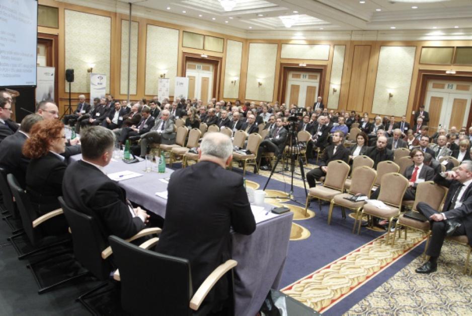 Podczas Konferencji Nafta/Chemia 2011 odbyła się sesja poświęcona sektorowi naftowemu. (Fot. PTWP Paweł Pawłowski)
