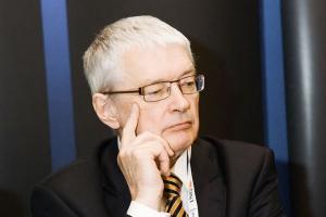 <b>Jerzy Podsiadło<br> prezes zarządu Węglokoksu</b><br><br>  - Prywatyzacja to konieczność, bez niej nie będzie możliwa zmiana oblicza spółki. Wierzę w to, że udany debiut giełdowy otworzy nam drogę do dalszego szybkiego rozwoju.