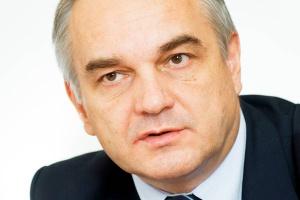 <b>Waldemar Pawlak<br> wicepremier, minister gospodarki</b><br><br>  - Czeka nas ogromna batalia, bo w UE ktoś wpadł na szatański pomysł, żeby podwyższać akcyzę na gaz LPG. W Polsce to paliwo jest dość popularne, także dzięki temu, że akcyza jest niższa. A i emisyjność LPG jest znacznie mniejsza niż benzyny czy oleju.