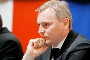 <b>Lech Witecki<br> p.o. Generalnego Dyrektora Dróg Krajowych i Autostrad</b><br><br>  - W obrocie mamy 70 mld zł, co czyni z Polski największy plac budów infrastrukturalnych w Europie. Planujemy, że w 2012 r. zrealizujemy zadania na kwotę 29,3 mld zł.