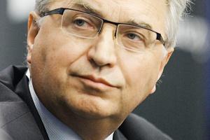 <b>Andrzej Warzecha<br> wiceprezes Polskiego Koksu</b><br><br>  - Są pozytywne sygnały, jeśli chodzi o rynek koksu. <br><br>  Zmniejszają się zapasy. Spodziewamy się poprawy, jeśli chodzi o potrzeby hutnictwa, szczególnie w końcu pierwszego kwartału 2012 roku.