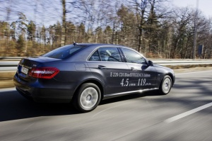 Klasa E 220 CDI BlueEFFICIENCY Edition z motorem wysokoprężnym  - 4,5 l/100 km (119 g CO2/km) / foto: Mercedes-Benz