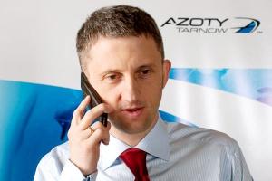 <b>Andrzej Skolmowski, wiceprezes zarządu Azoty Tarnów </b><br /><br />  Przywiązujemy dużą wagę do zaplanowanych na najbliższe lata projektów IT, które stanowią silne wsparcie dla realizacji strategii biznesowej Grupy Kapitałowej Azoty Tarnów. Rosnąca grupa kapitałowa, o rozproszonej lokalizacji, wymaga wdrożenia wielu rozwiązań technologicznych ułatwiających zarządzanie oraz realizację zidentyfikowanych synergii operacyjnych. Tematy te są na tyle istotne i pilne, że nie jest dyskutowane zamrażanie planów w obszarze IT.