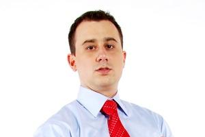 <b>Mariusz Papiernik, Software AG Polska</b> <br /><br />  Zapotrzebowanie na rozwiązania klasy BI nie zostało zachwiane nawet przez obecną sytuację na rynkach światowych. <br /><br />  Właśnie w tym szczególnym okresie wiele firm zdecydowało się na wdrożenia w celu poprawienia wydajności organizacji. <br /><br />  Z narzędzi BI korzystają firmy dojrzałe, tzn. takie, które zauważyły, że właściwa informacja zarządcza pozwala uzyskiwać przewagę nad konkurencją. Po BI coraz częściej sięgają również małe i średnie firmy, zwłaszcza w modelu cloud computing.