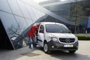 Oblicze Citana wyraźnie zdradza przynależność do wielkiej rodziny z wielkimi tradycjami / foto:Mercedes-Benz