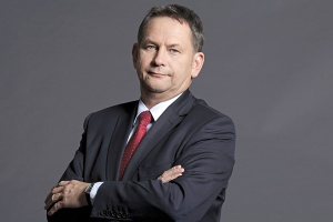 """<b>Dariusz Lubera, <br /> prezes zarządu Tauron Polska Energia</b> <br /><br />  Głównym celem strategicznym grupy jest """"rozkręcenie inwestycji"""", które wchodzą w fazę realizacyjną. Chcemy uniknąć poślizgów, zależy nam na jak najszybszym starcie budowy Elektrociepłowni Stalowa Wola. <br /><br />  Niezbędny dla pokrycia naszych potrzeb jest także blok na węgiel kamienny 910 MW w Elektrowni Jaworzno III. Drugi priorytet Taurona na ten rok to sprawne przeprowadzenie inkorporacji wszystkich spółek GZE, czyli aktywów kupionych od Vattenfalla. Trzecia ważna sprawa to utworzenie centrum usług wspólnych w zakresie rachunkowości."""