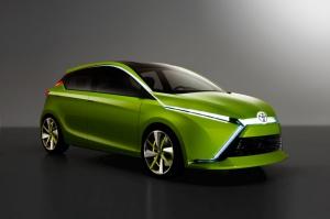 Dear Qin - wschodnia koncepcja hybrydy Toyoty/ foto: Toyota