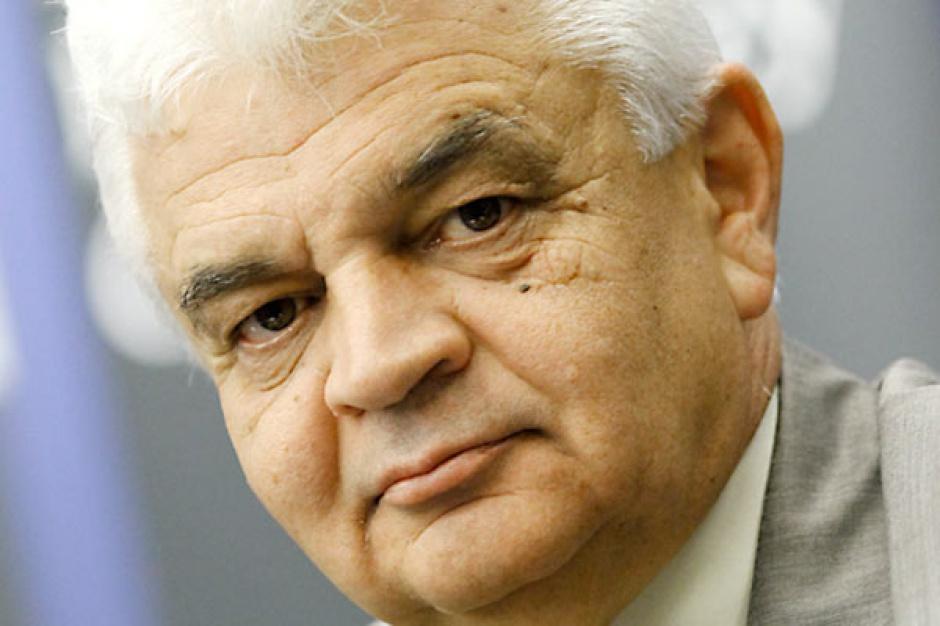 Jerzy Bernhard  prezes Stalprofilu     - Bez inwestycji, głównie infrastrukturalnych, założenia dotyczące wzrostu zużycia stali w Polsce pozostaną tylko na papierze.