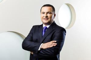 <b>Artur Zbroja<br /> Dystrybucja Rohlig Suus Logistics </b><br /><br />  - Sceptycznie oceniam możliwości konsolidacji w polskiej branży przewozów drogowych. Można zakładać, że rynek czeka z jednej strony umocnienie się największych graczy, a z drugiej - redukcja potencjału. Wtedy małe firmy zaczną szukać form współpracy.