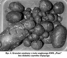 """Rys. 4. Granulat uzyskany z mułu węglowego KWK """"Piast"""" bez dodatku czynnika wiążącego"""