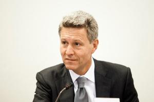 <b>Dariusz Mioduski<br /> prezes zarządu Kulczyk Investments</b><br /><br />  - Dobrze mieć wizję, że będziemy mieli czyste środowisko, ale ważne jest też to, czy wszyscy będziemy mieli pracę.