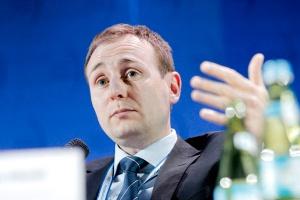<b>Ivo Hlaváč, Wiceminister środowiska Republiki Czeskiej</b>, przekonywał, że niektóre państwa członkowskie UE nie są w stanie zrealizować wszystkich celów mapy drogowej jednocześnie. Podkreślał, że przygotowując takie dokumenty, trzeba uwzględniać ich wpływ na miejsca pracy i poziom PKB.