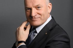 Według prezesa Grupy Lotos Pawła Olechnowicza, zarząd podda analizie postępy realizacji strategii nie wcześniej niż na koniec 2012 roku. - Na razie plan dotyczący wydobycia nie jest zagrożony, analizujemy natomiast harmonogram dojścia do założonego celu - zapewnił prezes Lotosu.