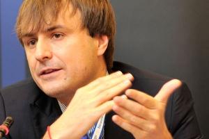 <b>Andrzej Sykulski, wiceprezes Domu Maklerskiego Trigon</b>, uważa, że tak wielki odsetek transakcji kończy się porażką, bo nie poznano wcześniej kultury przejmowanej firmy i nie przygotowano strategii poakwizycyjnej.
