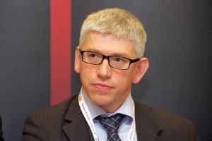 <b>Mirosław Michna, partner w KPMG w Polsce</b> - Przewidujemy, że do 2025 roku udział samochodów elektrycznych, w ogólnej liczbie nowo zarejestrowanych samochodów na świecie, nie przekroczy 15 proc. W najbliższych latach bardziej popularną alternatywą pozostaną pojazdy hybrydowe.