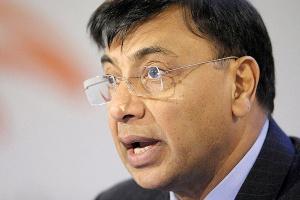 – Nie wierzę, by w najbliższym czasie możliwy był powrót do poziomu zapotrzebowania na stal sprzed recesji – mówi Lakshmi Mittal, prezes i dyrektor generalny Arcelor Mittal.