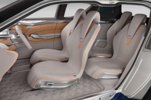 """Charakterystyczny układ siedzeń """"po skosie"""" / foto: Nissan"""