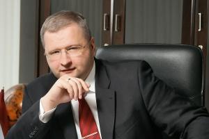 <b>Andrejs Aleksejevs<br /> prezes Severstallat Silesia </b><br /><br />  - Zakończyliśmy pierwsze półrocze nawet lepiej, niż oczekiwaliśmy. Teraz wykorzystujemy wszystkie nasze zasoby, aby z sukcesem zakończyć trzeci kwartał, który jest raczej trudniejszy. Przyczyną takiej sytuacji jest długotrwały brak stabilizacji cen na rynku. <br /><br />  Wielu z naszych klientów doświadcza negatywnego wpływu problemów związanych z zatorami płatniczymi na rynku. Prognozy na drugą połowę 2012 r. jak na razie są mniej optymistyczne od tych na pierwszą połowę.