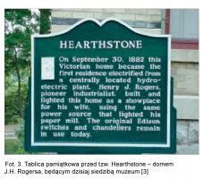 Fot. 3. Tablica pamiątkowa przed tzw. Hearthstone - domem J.H. Rogersa, będącym dzisiaj siedzibą muzeum [3]