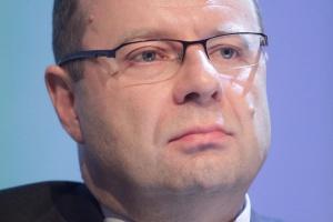 <b>Paweł Smoleń<br /> wiceprezes zarządu PGE ds. operacyjnych</b><br /><br />  - To, co się opłaca i jest w miarę odporne na różne scenariusze, to produkcja taniej i niezawodnej energii w oparciu o źródła paliw, nad którymi ma się kontrolę.