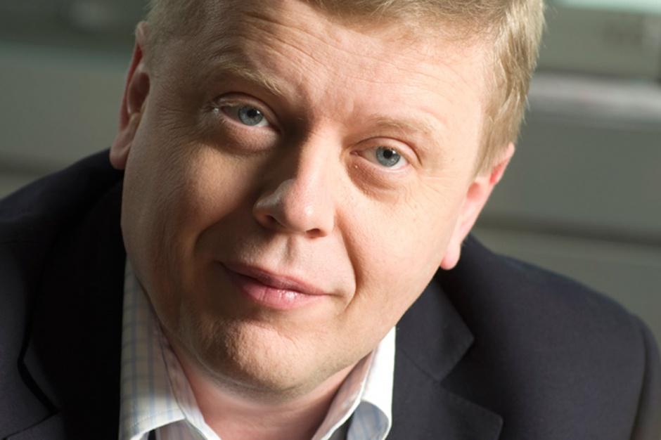 Maciej Witucki  prezes Orange Polska     - Przyszłość to telefonia internetowa, a nie centralka pod biurkiem w urzędzie starosty, która się psuje, trzeba ją obsługiwać, zmieniać i serwisować.