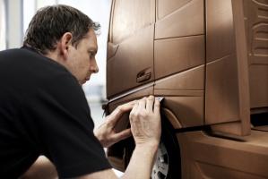 Asok George, główny projektant elementów zewnętrznych w Volvo Trucks. / foto: Volvo Trucks