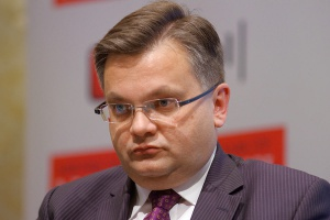 <b>Piotr Łuba<br /> partner zarządzający działem doradztwa biznesowego w PwC</b><br /><br />  - Ważne jest, żeby wraz z ustawą o OZE weszły w życie pozostałe ustawy z trójpaku energetycznego, ponieważ jedna ustawa nie rozwiązuje problemów, z jakimi boryka się sektor energetyczny.