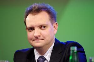 <b>Piotr Soroczyński<br /> główny ekonomista KUKE</b><br /><br />  - W Polsce przyzwyczajeni jesteśmy do wzrostu eksportu rzędu 20 proc., dlatego prognozy mówiące o wzroście 7-procentowym nie są zadowalające. <br /><br />  Z drugiej strony cieszy, że eksport w ogóle będzie rósł.