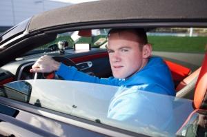 Wayne Rooney za kierownicą Camaro Kabrioleta / foto: Chevrolet