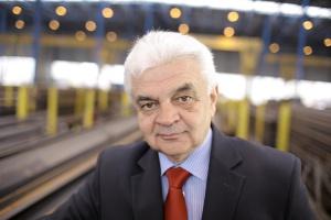 """- Prognozy przewidują, że 2013 r. nie będzie najlepszy i ożywienie gospodarcze nadejdzie dopiero w 2014 r. Dlatego nie spodziewamy się w tym roku """"fajerwerków"""" na rynku dystrybucji stali - mówi Jerzy Bernhard, prezes Stalprofilu."""