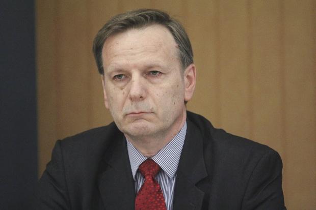 BCC: rząd eksperymentuje z łączeniem państwa opiekuńczego i systemu rynkowego