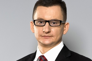 <b>Mariusz Karbowski<br /> regionalny dyrektor sprzedaży T-Systems Polska </b><br /><br />  - W kontekście zmiany technologii i procesów telekomunikacyjnych obserwujemy wzrost zainteresowania bezpieczeństwem danych. <br /><br />  Model cloud i coraz powszechniejszy trend Bring Your Own Device zwiększają mobilność pracowników i pozwalają ograniczyć koszty firmy. Niosą one również za sobą konieczność stawienia czoła coraz bardziej skomplikowanym wyzwaniom związanym z ochroną wrażliwych danych i informacji.