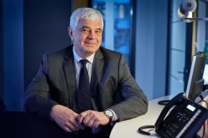 - Świat w przyszłości będzie się kręcił wokół sieci - nie serwerów, czy pamięci masowych, ale właśnie wokół sieci - mówi Dariusz Fabiszewski, prezes Cisco Systems Poland