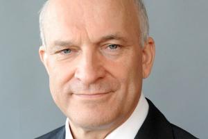"""<b>Paweł Olechnowicz,<br /> prezes Grupy Lotos </b><br /><br /> - Program """"Efektywność i rozwój 2013-15"""" skonstruowaliśmy tak, by umożliwić realizację celów postawionych w strategii i uwolnić potencjał inwestycyjny naszych spółek."""