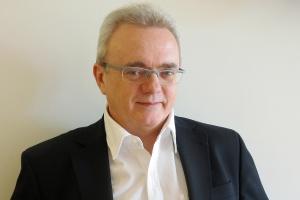 <b>Piotr Milewski</br > sales account executive AspenTech Europe </b></br ></br >  - Należy nam się wreszcie odreagowanie okresu stagnacji w branży oraz skonsumowanie efektów połączeń firm. </br ></br >   Powinno to wzmocnić zainteresowanie rozwiązaniami automatyzującymi procesy i szeroko pojętą optymalizacją.