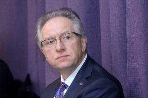 Zdaniem Andrzeja Głowackiego, prezesa DGA, największą barierę w działalności inwestorów prywatnych stanowią regulacje prawne i brak jakichkolwiek zachęt (np. podatkowych), które napędzałyby rynek.