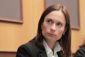 <b>Karolina Siedlik, CMS Cameron McKenna </b>  - Jeżeli znajdziemy inwestora, który zechce sfinansować budowę elektrowni na zasadach rynkowych, będzie świetnie. Tylko nie wiem, czy to możliwe.