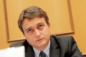 <b>Marcin Lewenstein<br /> dyrektor Departamentu Strategii PGNiG </b><br /><br />  - Kogeneracja gazowa powinna otrzymać wsparcie i znaleźć swoje miejsce przynajmniej w ciepłownictwie i elektrociepłowniach. Będzie to służyć efektywności energetycznej, środowisku oraz naszemu przechodzeniu do mniej emisyjnej gospodarki.