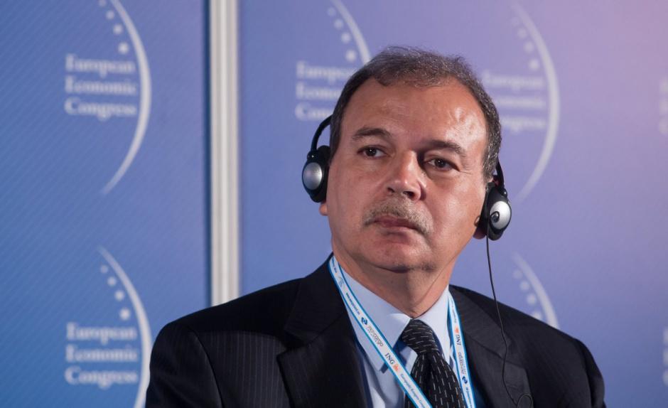 Kamel Bennaceur, Minister Przemysłu, Energetyki i Górnictwa, Tunezja