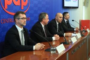 Rafako podpisało w piątek z Grupą Azoty Zakłady Azotowe Kędzierzyn kontrakt na budowę nowej elektrociepłowni w kędzierzyńskim zakładzie. Wartość zlecenia wynosi 320 mln zł netto. Fot. PTWP (Paweł Pawłowski)