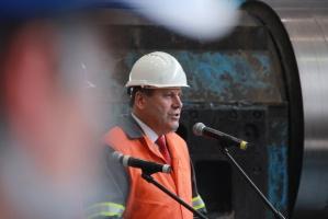 Koncern ArcelorMittal, największy na świecie producent stali, zainwestował w polskie hutnictwo ponad 5 mld zł w ciągu dekady. W piątek podczas rocznicowej uroczystości w Krakowie za wysiłek inwestycyjny podziękował wicepremier Janusz Piechociński.