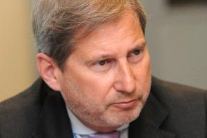 Johannes Hahn, komisarz UE ds. polityki regionalnej, podkreśla, że w nowej unijnej perspektywie finansowej większą niż dotąd uwagę zwraca się na cele, które mają zostać osiągnięte dzięki europejskim funduszom. Dotychczas wykorzystywano je głównie do rozwijania infrastruktury. Teraz akcent przesuwa się na promowanie nowoczesnej, innowacyjnej przedsiębiorczości.