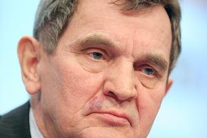 <b>Konrad Jaskóła,<br > prezes zarządu Polimeksu-Mostostalu do sierpnia 2012 r.</b><br ><br > - Realizowaliśmy wizję wielozadaniowego holdingu, aby dywersyfikować i stabilizować jego działalność. Oczywiście zawsze można było inaczej rozłożyć akcenty dotyczące rozwoju grupy, gdyby dało się przewidzieć precyzyjnie przyszłość