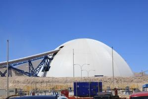 Magazyn rudy pokruszonej mieści 180 tys. ton