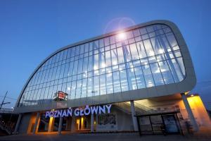 Opóźnienia w ruchu pociągów po potrąceniu na torach w Poznaniu