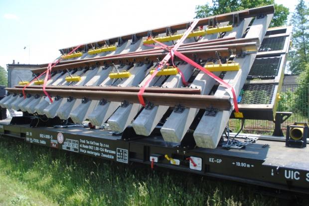 100 rozjazdów kolejowych Track Tec w blokach