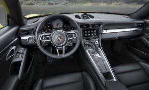 Wnętrze Porsche 911 Carrera 4S. fot. Porsche