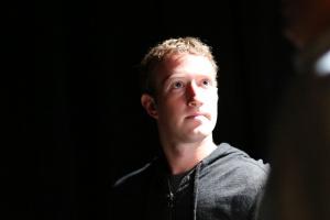 Zuckerberg 99 proc. udziałów w Facebooku przekaże fundacji